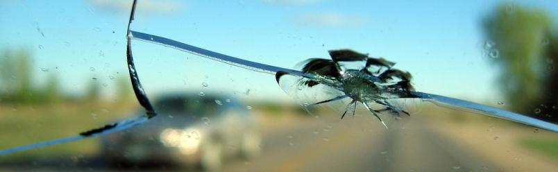 Защо не трябва да отлагате ремонта на автостъкло